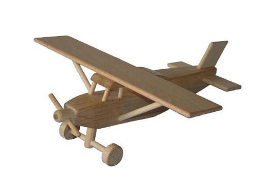 Pilatus Holzspielzeug